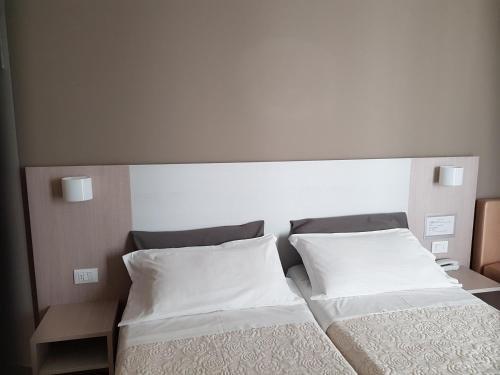 Hotel Caesar - фото 1
