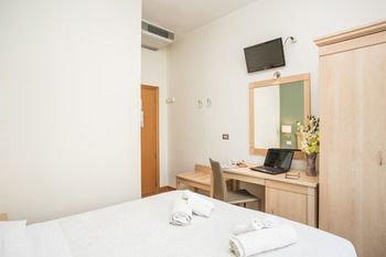 Hotel Butterfly - фото 2
