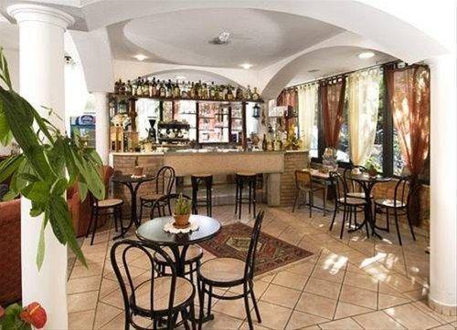 Alfredo's Hotel Rivazzurra di Rimini - фото 8
