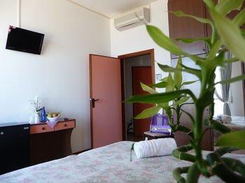 Hotel Suprem - фото 1