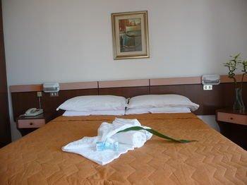Hotel Suprem - фото 2