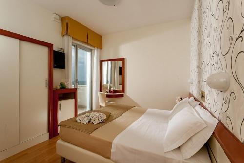 Hotel Aristeo - фото 1