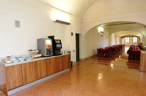 Student's Hostel Della Ghiara - фото 10