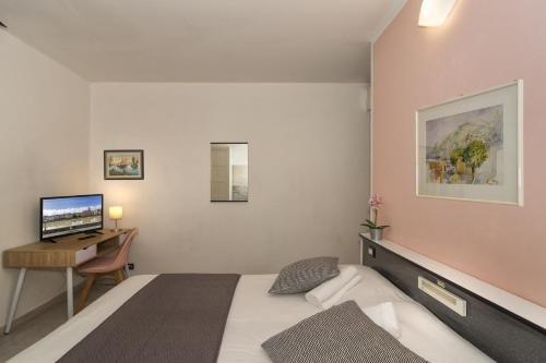Hotel Amalfitana - фото 2