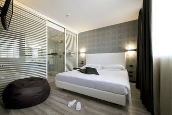 Hotel D120 - фото 1