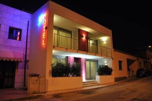 Gil's Hotel - фото 15