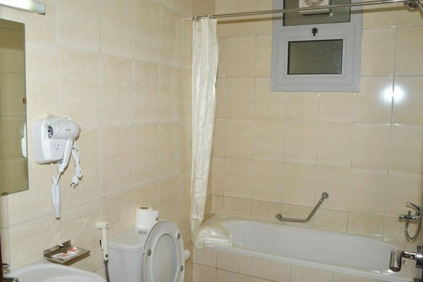 Al Khaleej Plaza Hotel Apartment, Аджман
