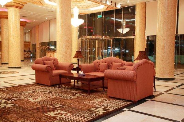 Crown Palace Hotel - фото 6