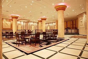 Crown Palace Hotel - фото 9