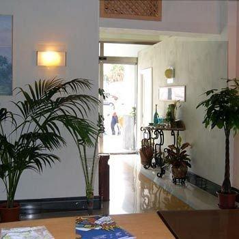 Hotel Clarean - фото 3