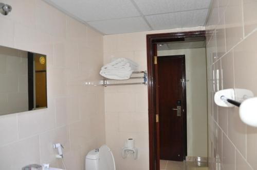 Waves Hotel - фото 12