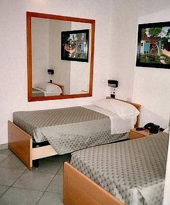 Hotel Paola - фото 1