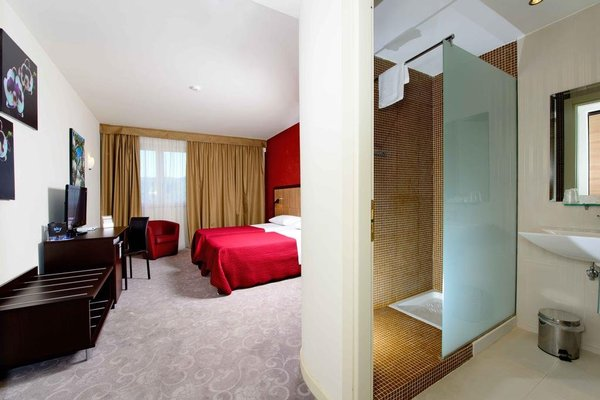 Virginia Palace Hotel - фото 2