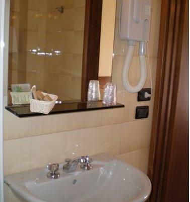 HOTEL GIULIA - фото 10