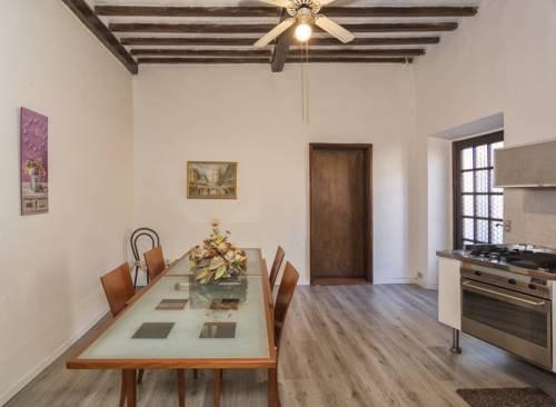 Tuscan Sun Holiday Apartments - фото 5