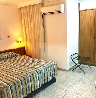Hotel Bandeirantes - фото 1