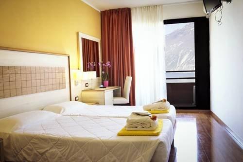 Hotel Saturno - фото 1