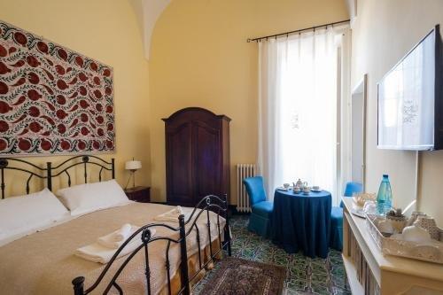Palazzo Bernardini - фото 1
