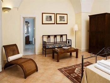 Palazzo Bernardini - фото 3