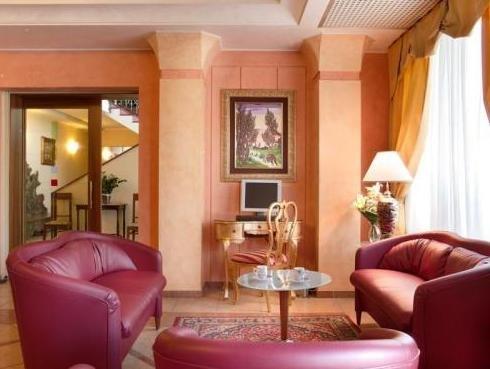 Hotel Confine - фото 5