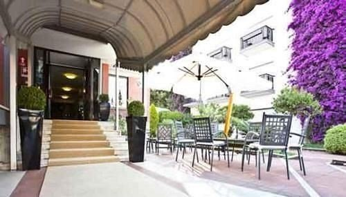 Hotel De La Ville Central - фото 19