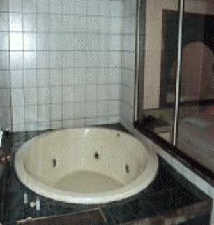 Lips Motel (Только для взрослых) - фото 9