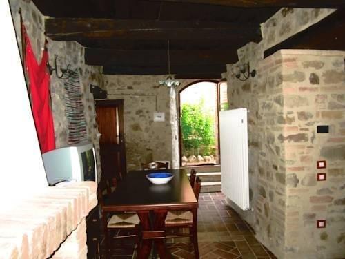 Castello Di Cisterna - фото 4