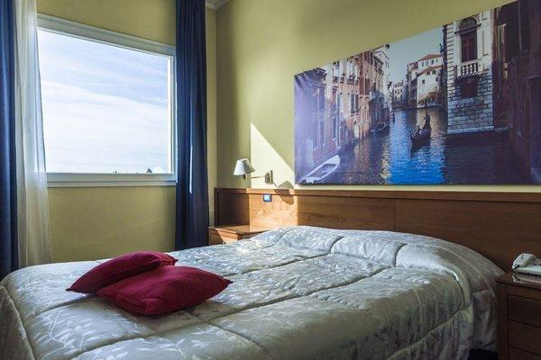 Venice Hotel - фото 1