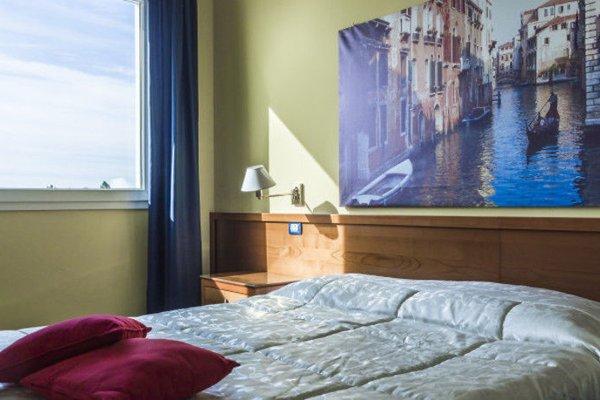 Venice Hotel - фото 2