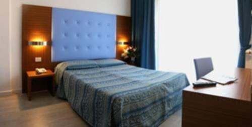 Hotel Serena - фото 1