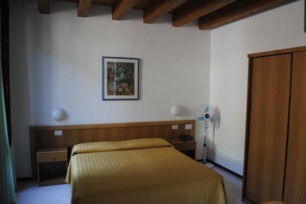 Hotel Tiziana Garni - фото 4