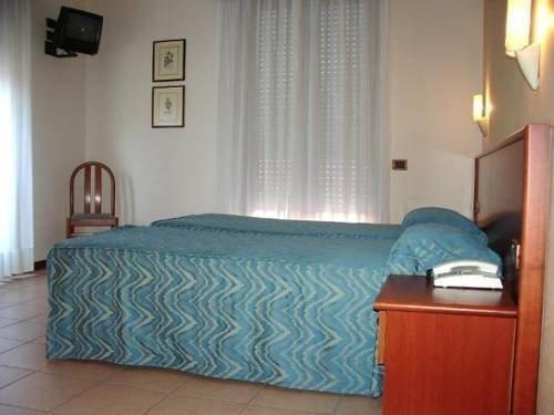 HOTEL VIRGINIA - фото 2