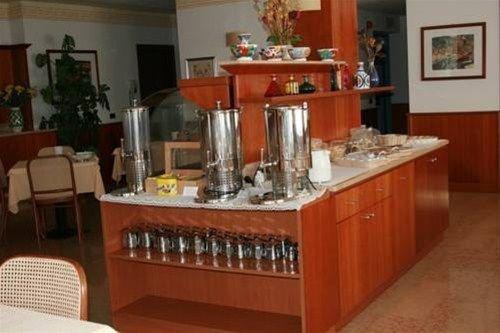 HOTEL VIRGINIA - фото 8
