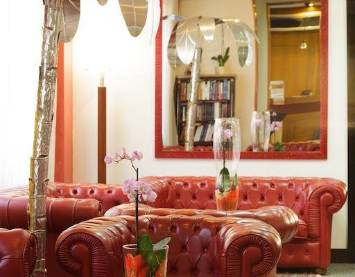 Astor Hotel - фото 1