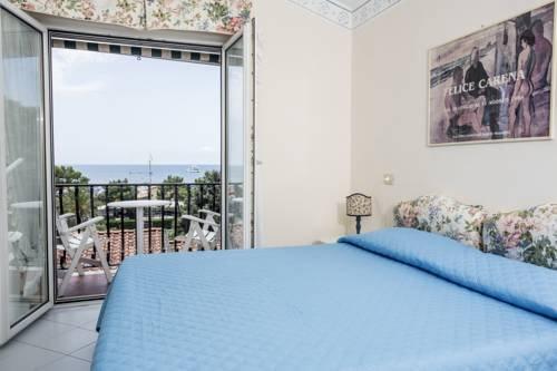 Piccolo Hotel - фото 1