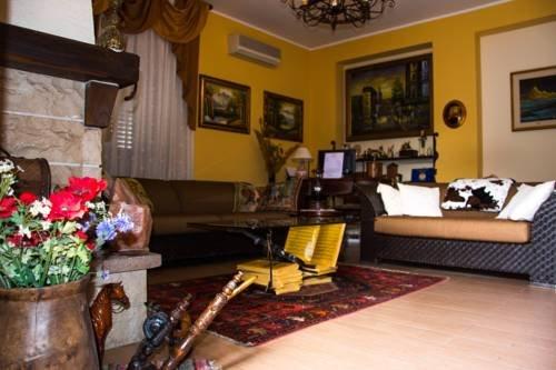 B&B Villa Liliya - фото 3