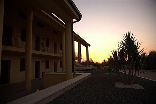 Iblea Hotel - фото 22