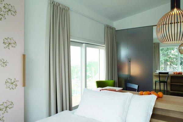 Azalea Park Hotel - фото 1