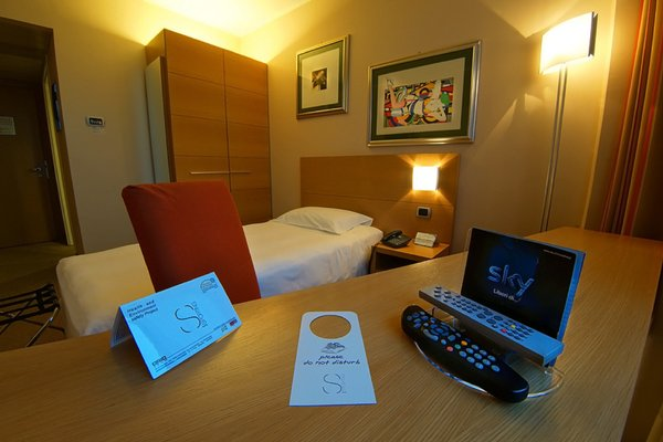 Hotel Sporting Brugherio - фото 1