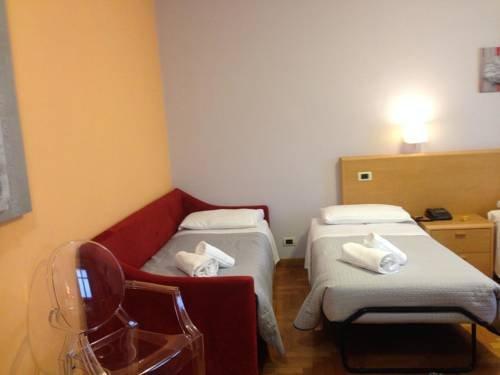 Hotel La Ferte - фото 4