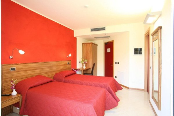 Hotel 5 Vie - фото 1