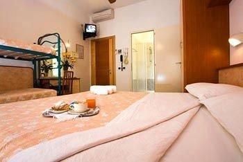 Hotel Sandra - фото 1