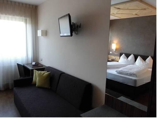 Hotel Zum Tiroler Adler - фото 1