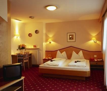 Hotel Zum Tiroler Adler - фото 4