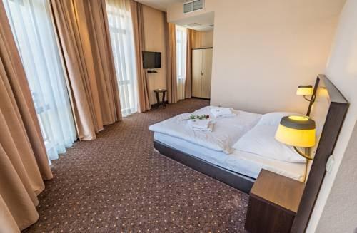 Ломсия отель - фото 2