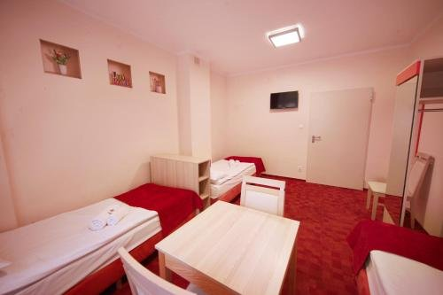 eMKa Hostel - фото 4