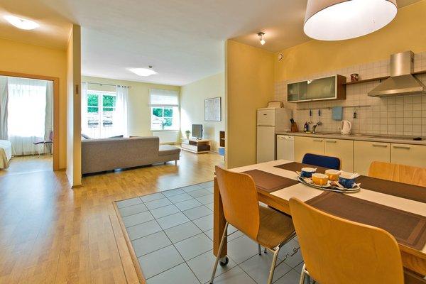 Barbacan Apartments - фото 13