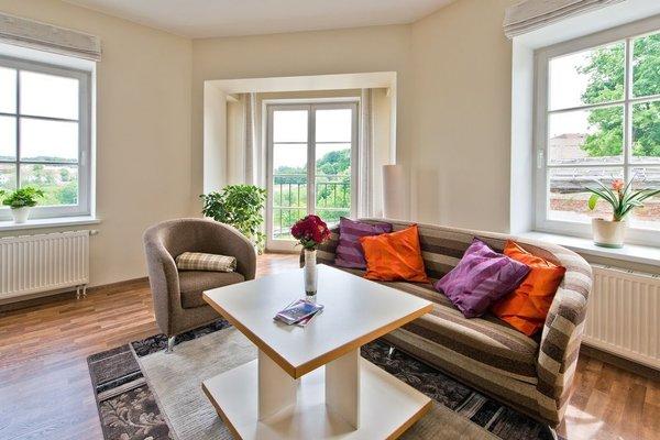 Barbacan Apartments - фото 4