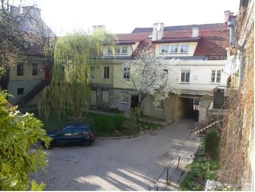Traku Street Apartment - фото 1