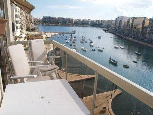 Seafront Apartment Spinola Bay - фото 28
